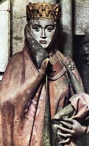reine-statue-2.jpg